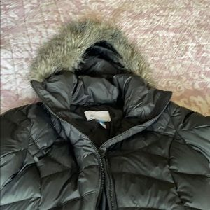 I'm selling a new jacket that I can't wear anymore
